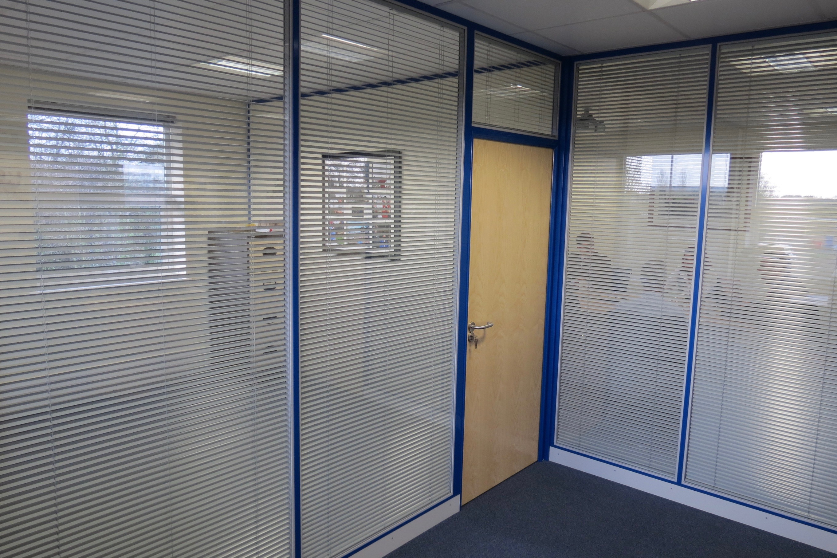 Nash Glass partition glazing & blinds