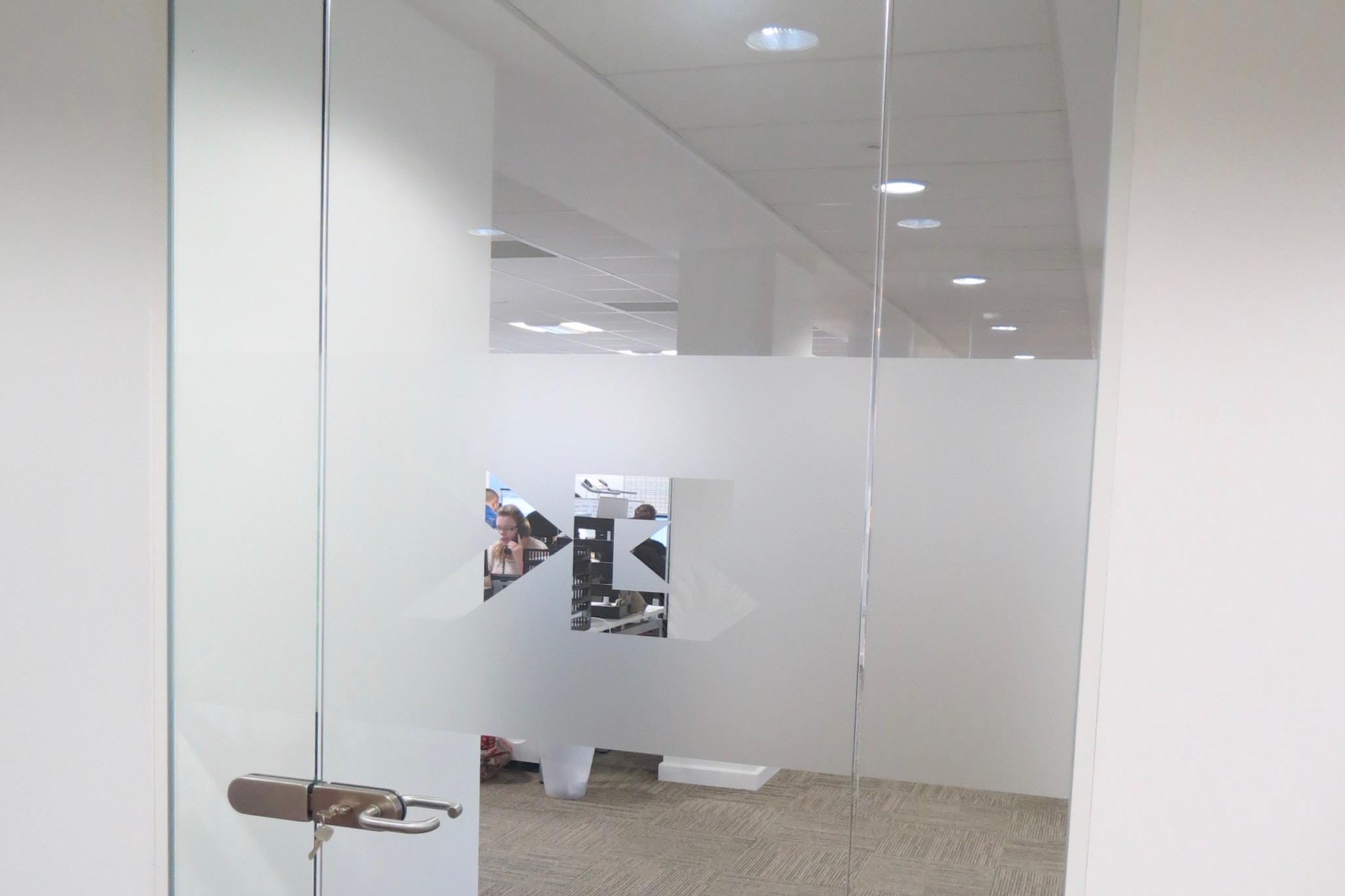 Nash Glass Single Glazed Frameless door levers