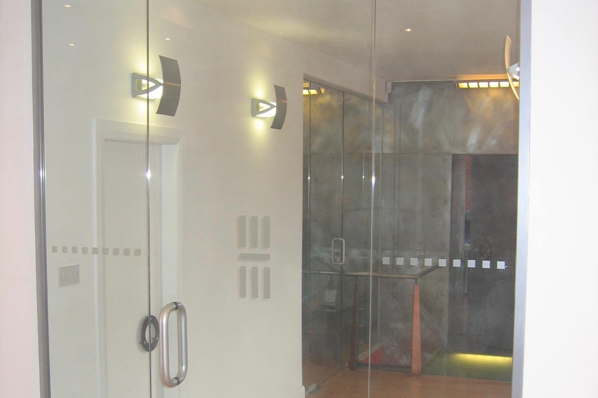 Nash Glass single door with floor spring