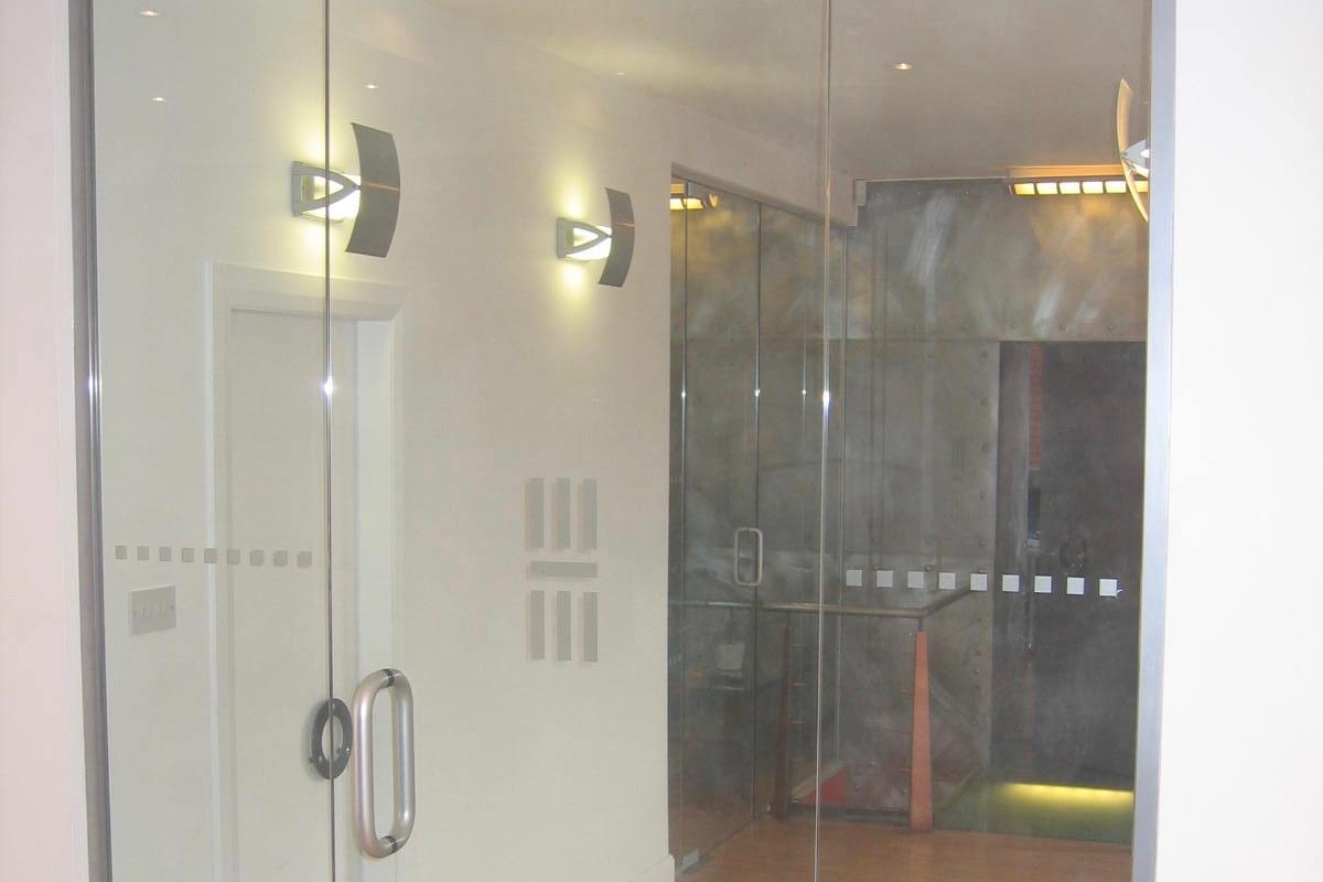 Nash Glass single door with floor spring